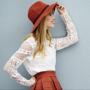 model hat sideways